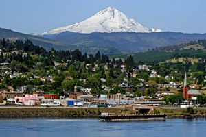 retire in Columbia River Gorge